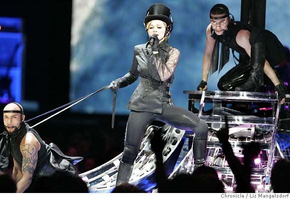 Madonna - Super Bowl - The Confessions Tour
